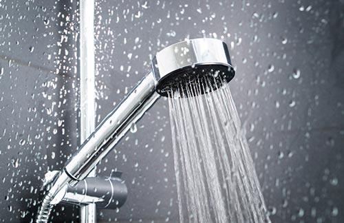 Servicii sanitare montaj obiecte sanitare Luca Instal Expert